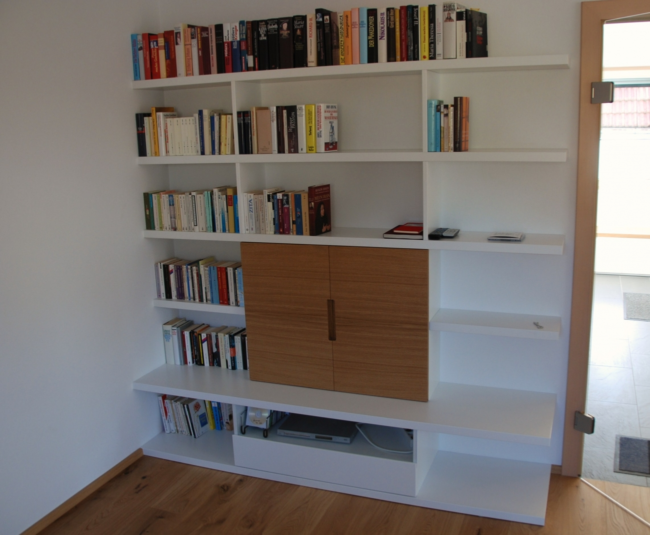 stunning b cherwand mit tv photos. Black Bedroom Furniture Sets. Home Design Ideas