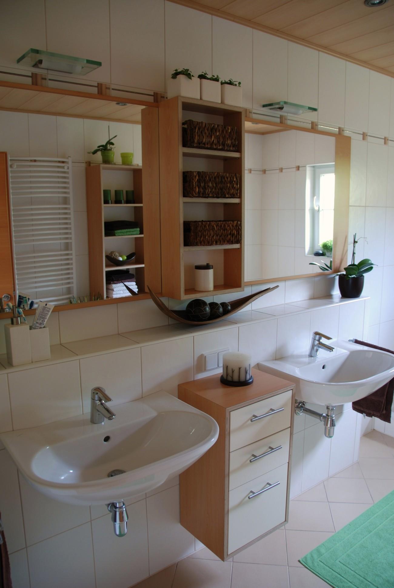 badezimmer | in Apfel-Optik | Ladenauszüge mit Inneneinteilung