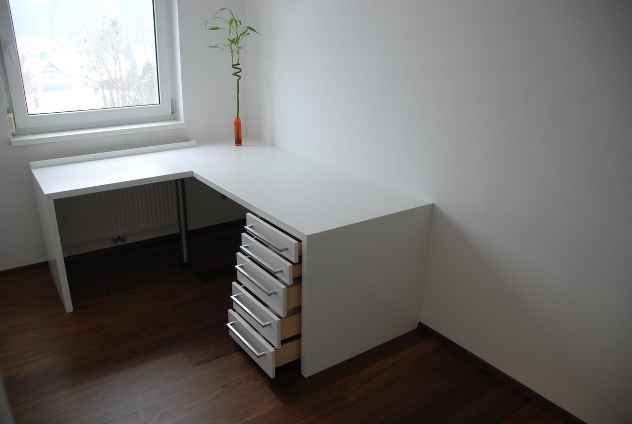 büro white | schreibtisch aus schleiflack ral 9016