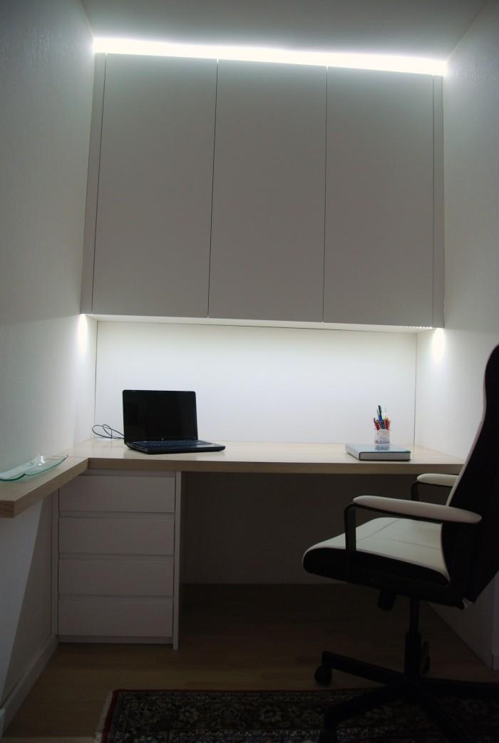 büro | eiche gekalkt lackiert und schleiflack 9016 | mit indirekter led beleuchtung