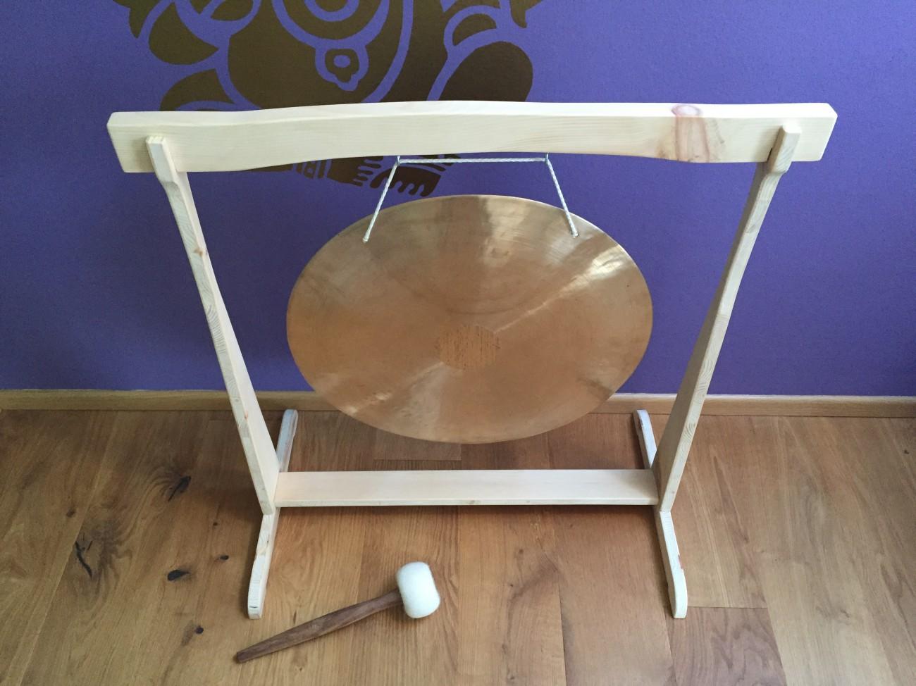 gongständer | zirbenholz