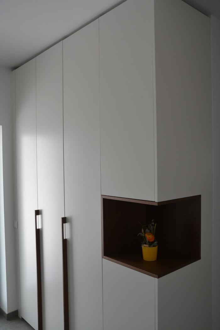 garderobe schleiflack 9010 griffe und nische aus amerikanischen nussbaum christoph. Black Bedroom Furniture Sets. Home Design Ideas