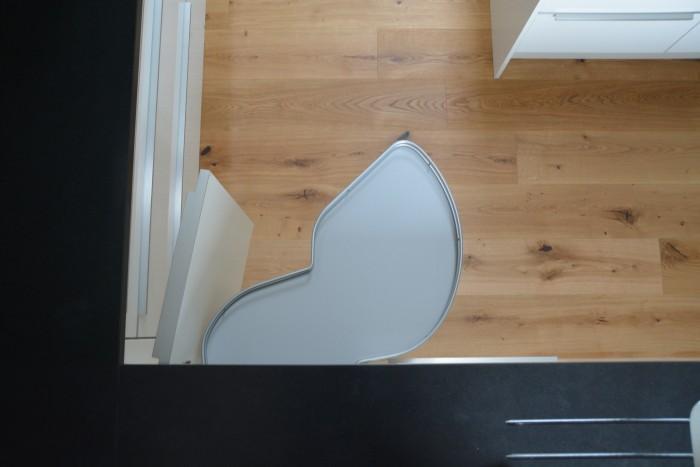 einbauküche | arbeitsplatte nero asolutto | fronten hochglanz weiß