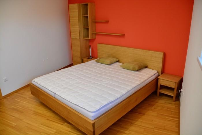 Schlafzimmer| Eiche und weiß Kombination | Grifflose Möbelfronten
