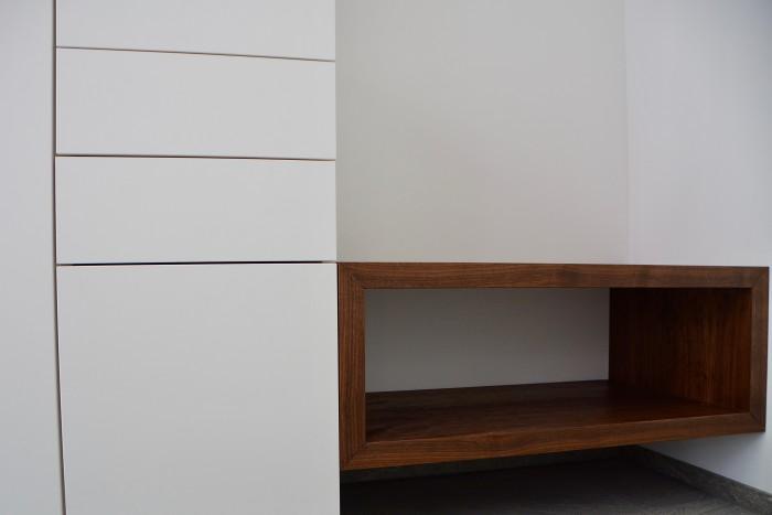 garderobe | weiß matt | nuss natur geölt