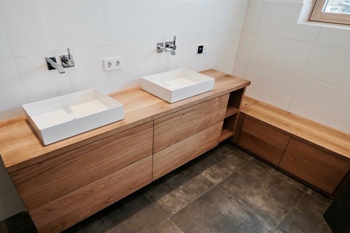 badezimmer | eiche massiv geölt | mit integrierten abwurfschacht
