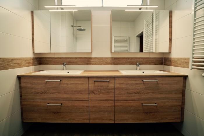 badezimmer | eiche | mit wäscheklappe und doppelseitigen spiegeltüren