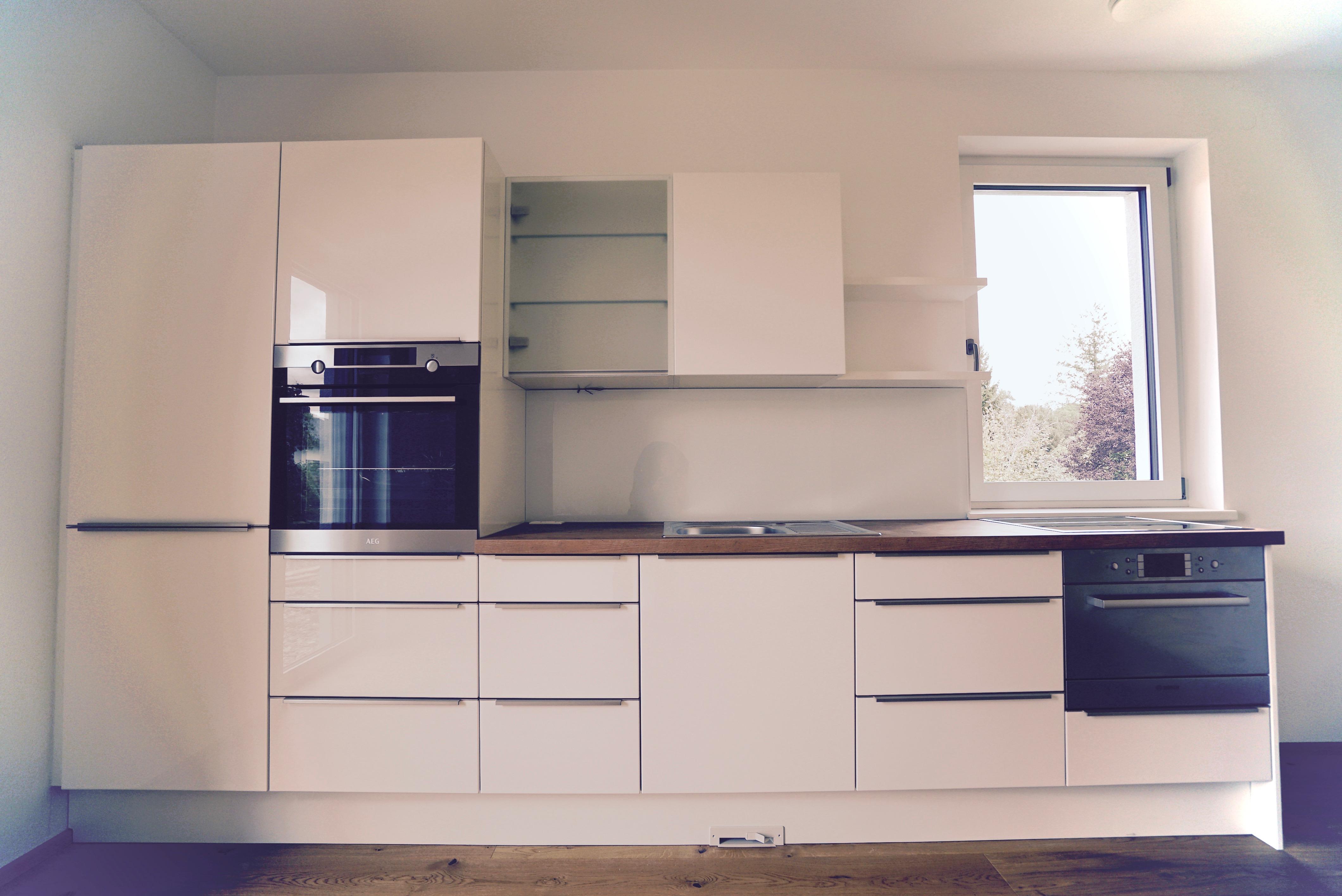 küche  weiß hochglanz  griffleiste edelstahl - Christoph