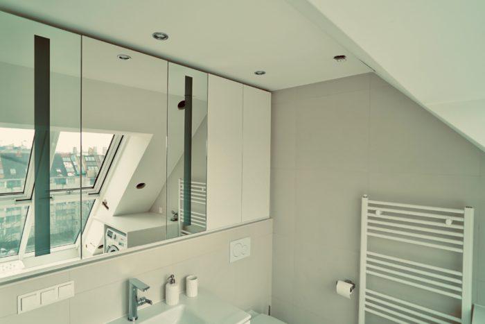 badezimmer | spiegeltüren mit beleuchtung | grifflos