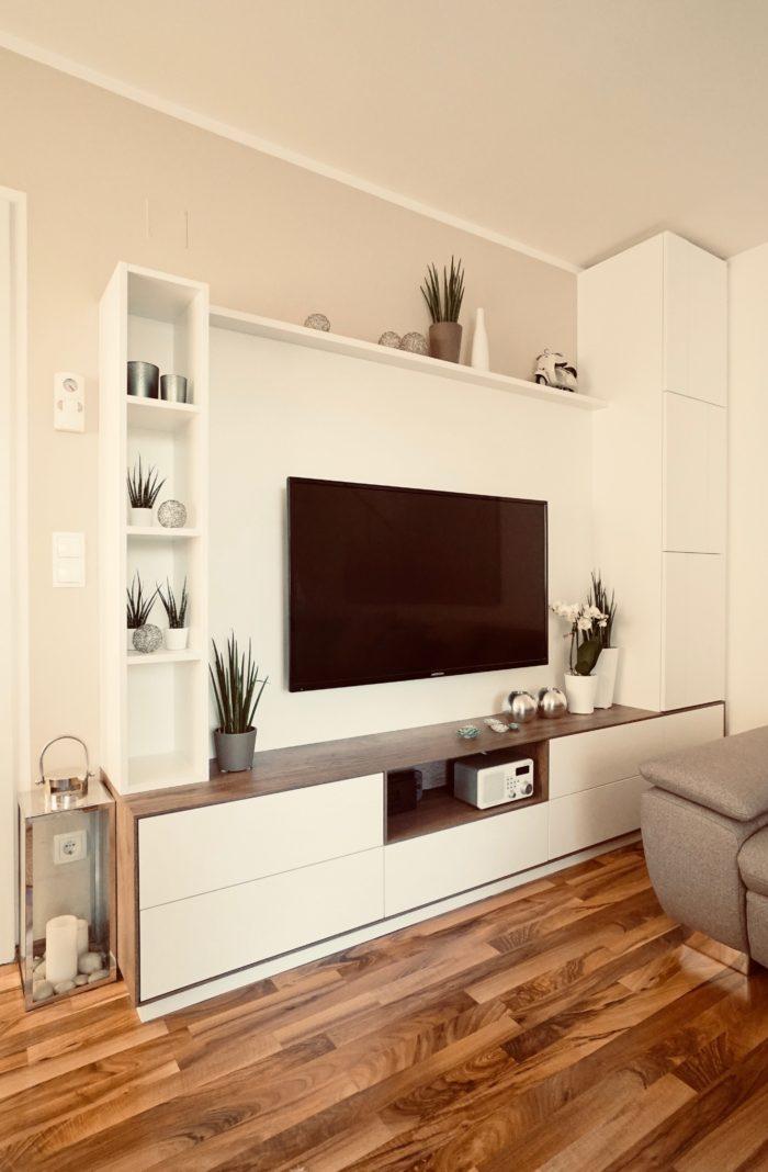 wohnzimmer | weiss matt, grifflos | massiv holz laden