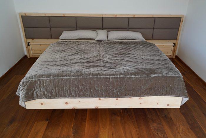 zirbenbett massiv | laden aus zirbe | polsterung aus naturkautschuk
